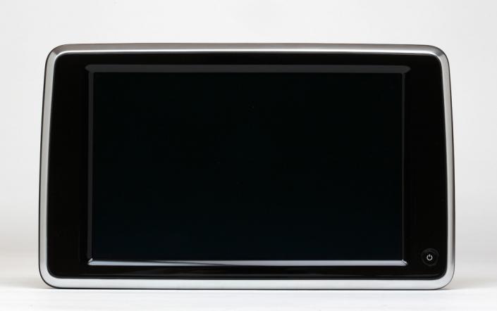 Façade écran peinte et chromée